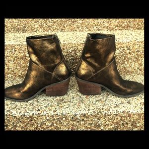Bronze/Dark Gold Boots